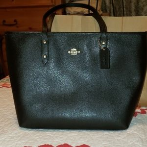 Coach City Zip Tote NWT